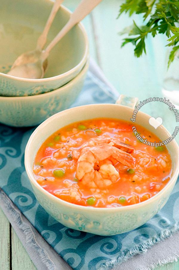 . Shrimp and rice pottage (asopao de camarones)