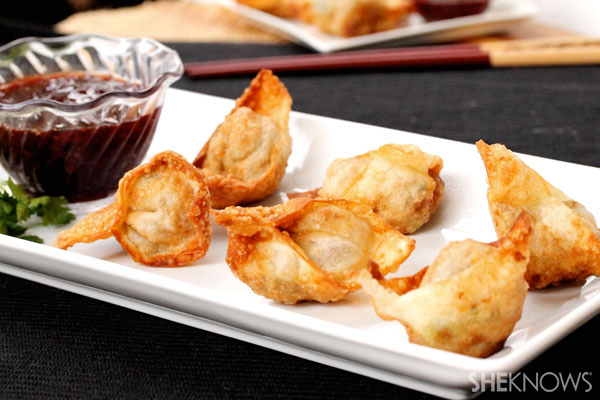 Turkey and stuffing wontons with cranberry dipping sauce