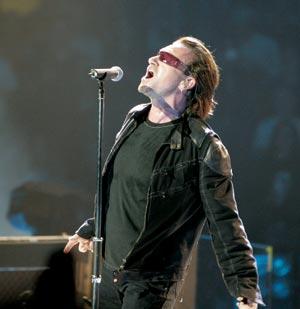 U2 Bono in concert