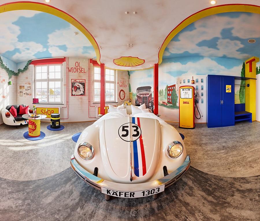 Image V8 Hotel Motorworld