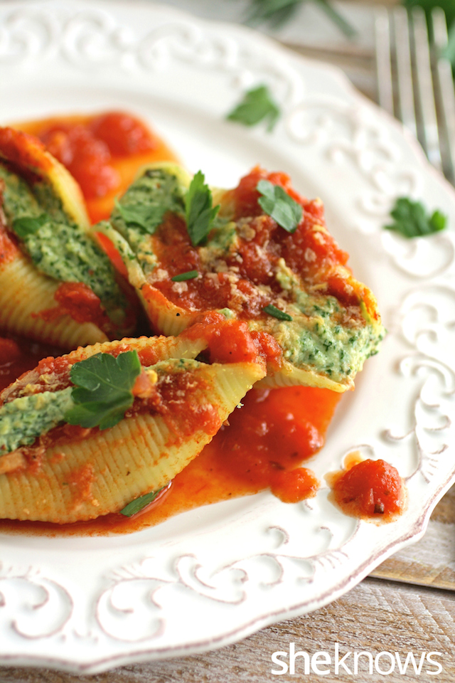 Vegan stuffed shells with cashew ricotta cheese and spinach recipe