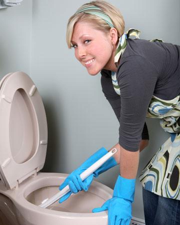 Bilderesultat for woman washing toilet