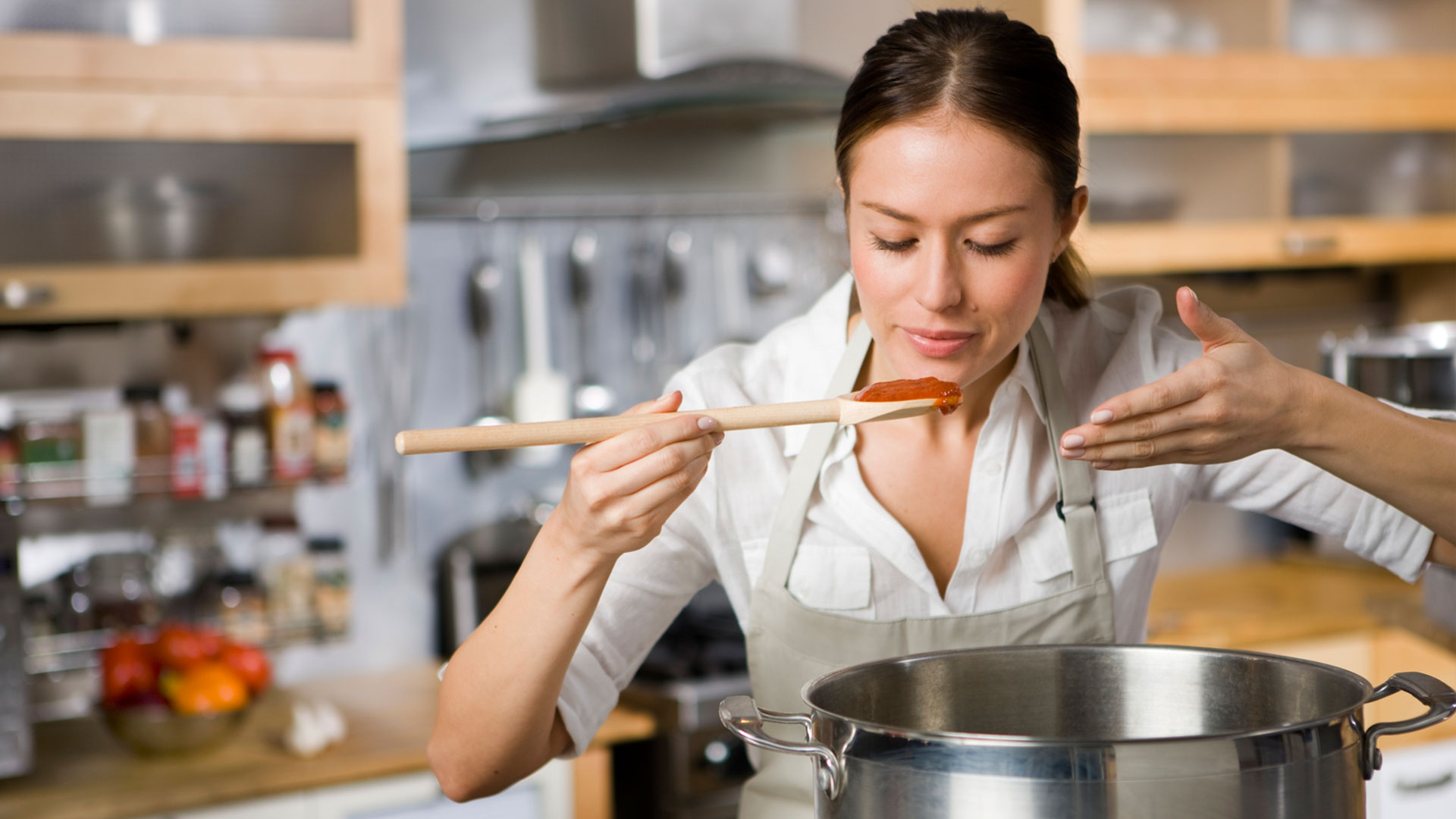 cooking food chefs tips loving woman cook pasta sheknows fresh bricco andrea rf choice photographer credit getty ramsay gordon