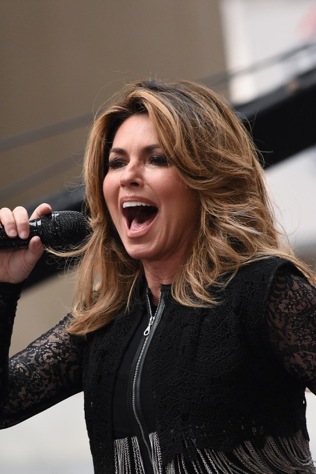 15 Celebrities who Overcame Poverty: Shania Twain