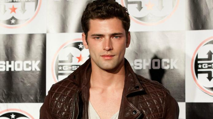 14 GIFs of the hot guy