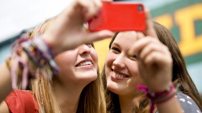 Dangerous teen selfie trends