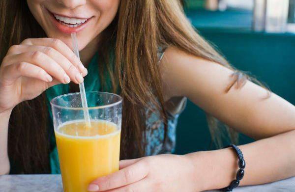 Health benefits of juicing vs. blending