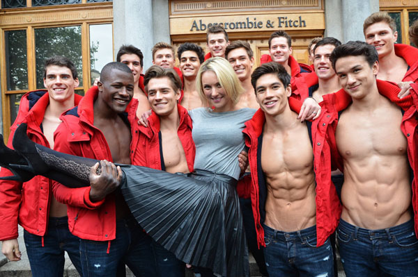 Abercrombie & Fitch apologizes for plus-siz comments