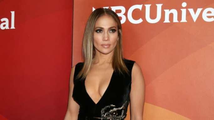 Jennifer Lopez and Alex Rodriguez's romance heats up