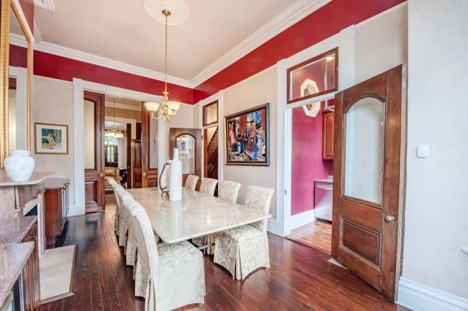 House of Cards home | dining room