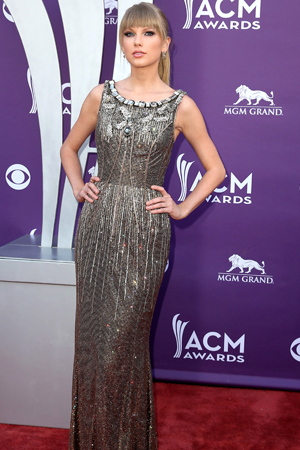 Taylor Swift at the 2013 ACM Awards