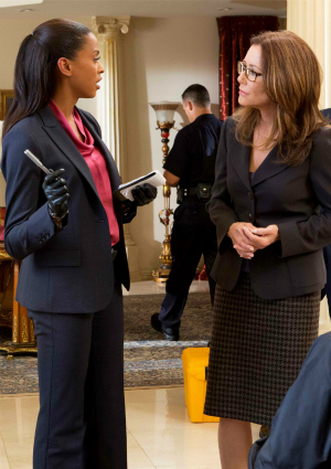 Actresses Kearran Giovanni and Mary McDonnell on Major Crimes