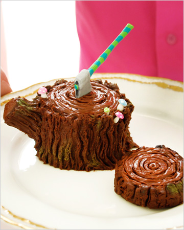 Adorable tree trunk cupcakes