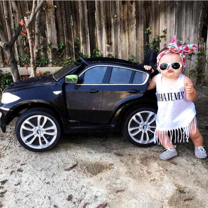 baby with car