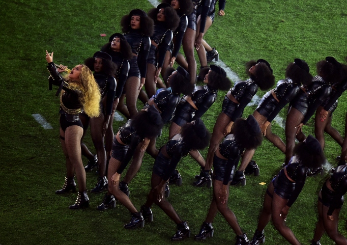 Beyonce & dancers on field Super Bowl 50