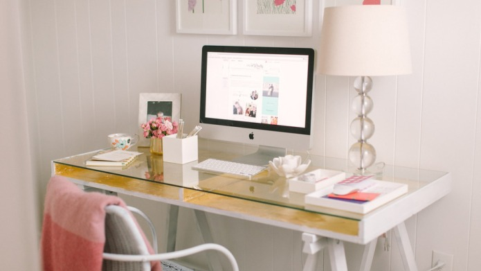8 Minimalist Home Office Ideas to
