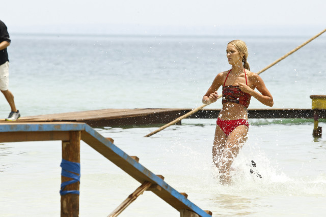 Alecia Holden competes for Brawn tribe on Survivor: Kaoh Rong