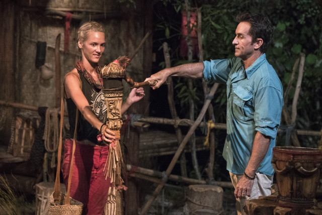 Alecia Holden voted off Survivor: Kaoh Rong