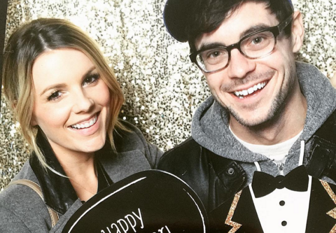 Ali Fedotowsky adds pregnancy to her