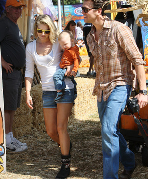 stylish celebrity mom, Ali Larter
