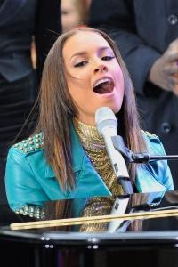Alicia Keys: live December 1 on YouTube
