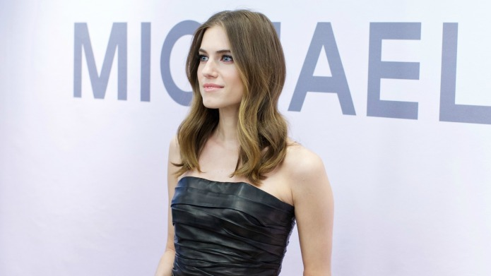 Allison Williams delays wedding, but not