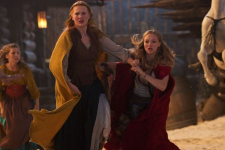 Amanda Seyfried stars in Red Riding Hood