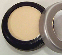 Trucco reflective eyeshadow | Sheknows.ca