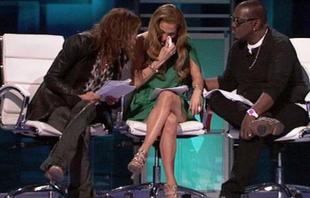 Jennifer Lopez gets emotional on American Idol