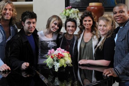 The American Idol top six visit with Shania Twain