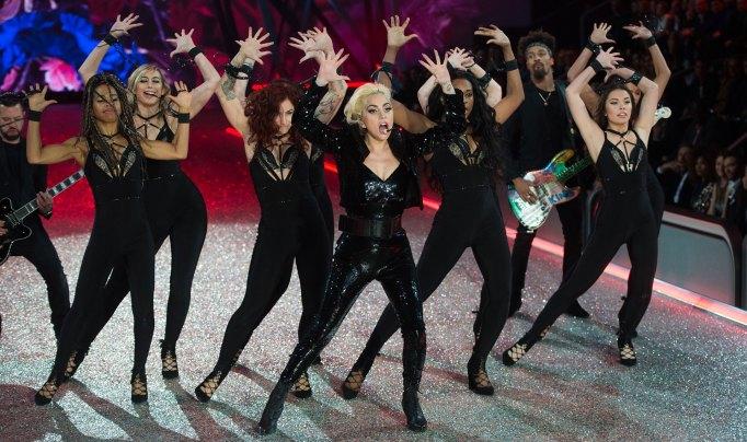 Lady Gaga 2016 Victoria's Secret Fashion Show