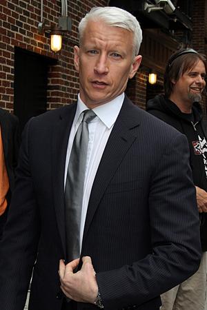 Anderson Cooper makes fun of Amanda Bynes