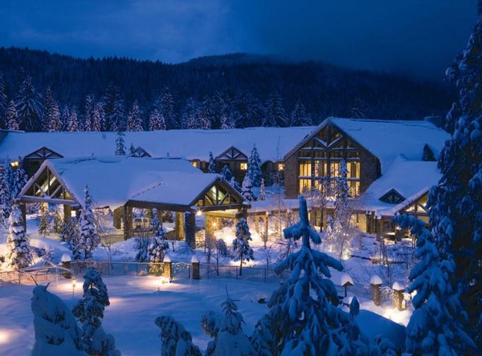 Active Winter Wellness Retreats | Tenaya Lodge