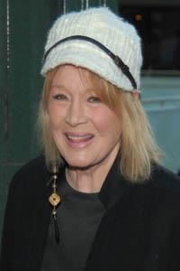 Angie Dickinson comments on Regis Philbin retirement announcement