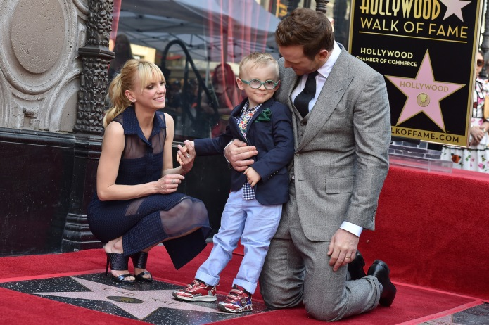 "Anna Faris & Chris Pratt's Son is ""Not Impressed"" With His Parent's Fame"