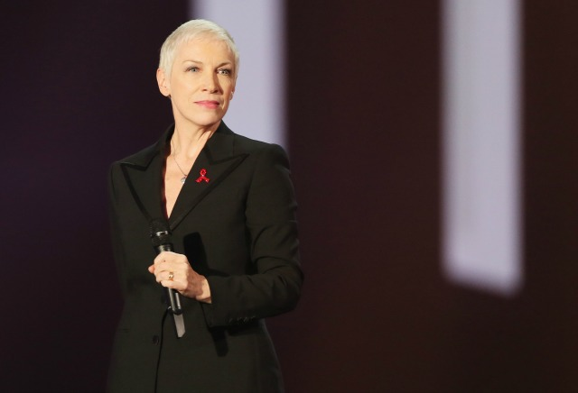 Annie Lennox tribute to David Bowie at the Brits