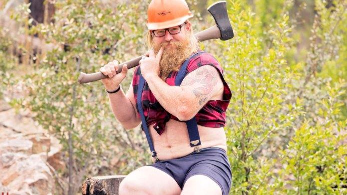 This guy's hilarious dudeoir photos have