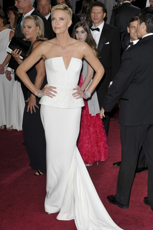 Charlize Theron at the 2013 Oscards