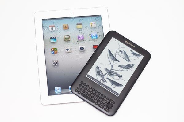 Apple-iPad-Amazon-Kindle