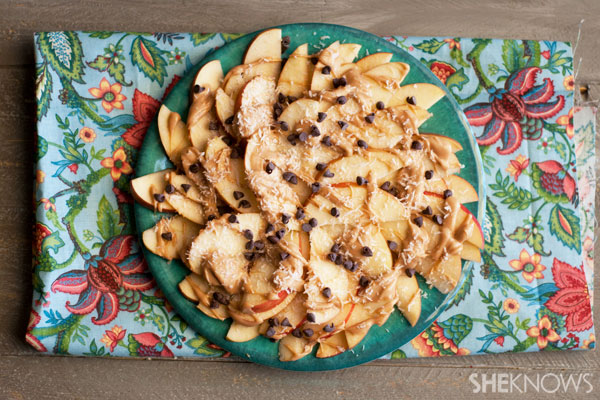 Apple crust pizza with peanut butter sauce