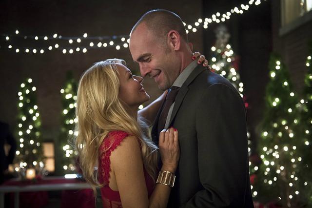 Arrow Season 4 Episode 9 - Donna Smoak and Quentin Lance