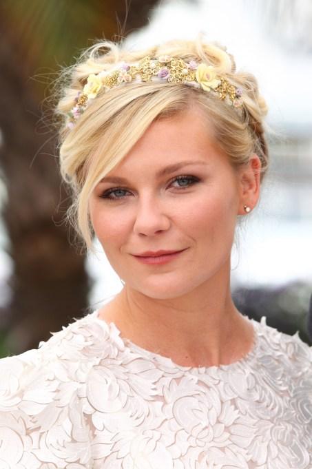 Celebrity Inspired Ways To Wear A Headband | Kirsten Dunst