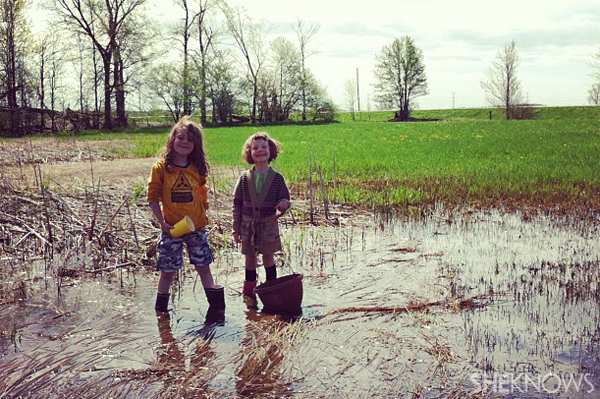 Country kids catching frogs