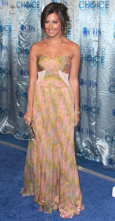 Ashley-Tisdale-Peoples-choice-awards