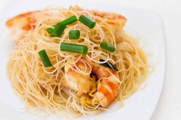 Quick Asian noodles with shrimp recipe