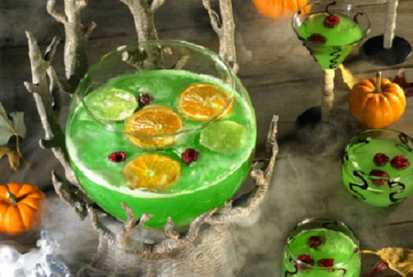 30 Halloween Cocktails & Mocktails That'll Take Your All Hallow's Eve to the Next Level: Slime Punch