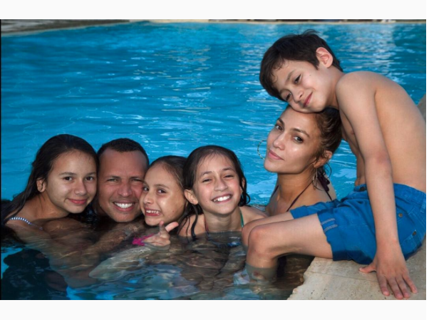 Jennifer Lopez and Alex Rodriguez have a family pool party