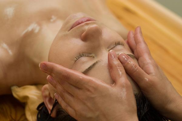 Ayurvedic scalp massage