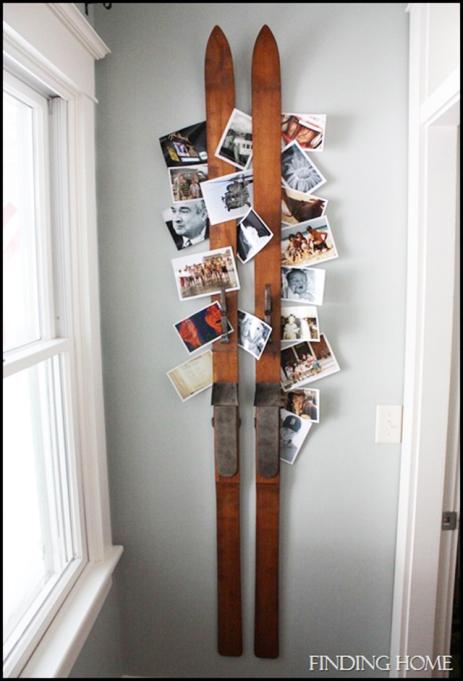 holiday card display around vintage skis