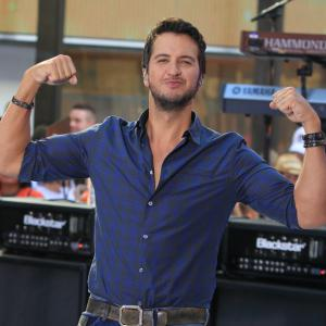 7 Sexiest moments in country music